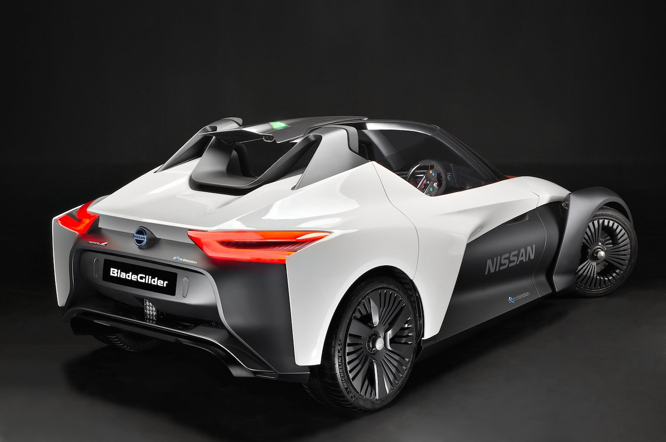 report nissan says ev sports car possible by 2020