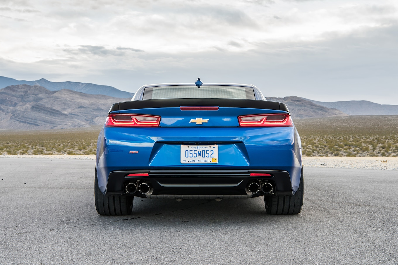 Cruze Car Hd Wallpaper 2017 Chevrolet Camaro Ss 1le Rear View 02 Motortrend