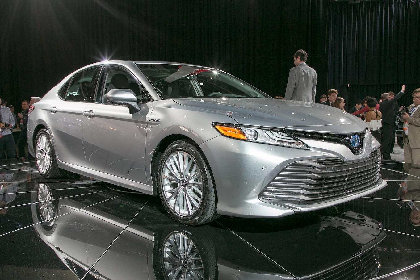 brand new toyota camry muscle spesifikasi grand veloz 2017 11 cool facts about the 2018 motortrend