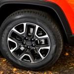 2017 Jeep Compass Trailhawk wheels