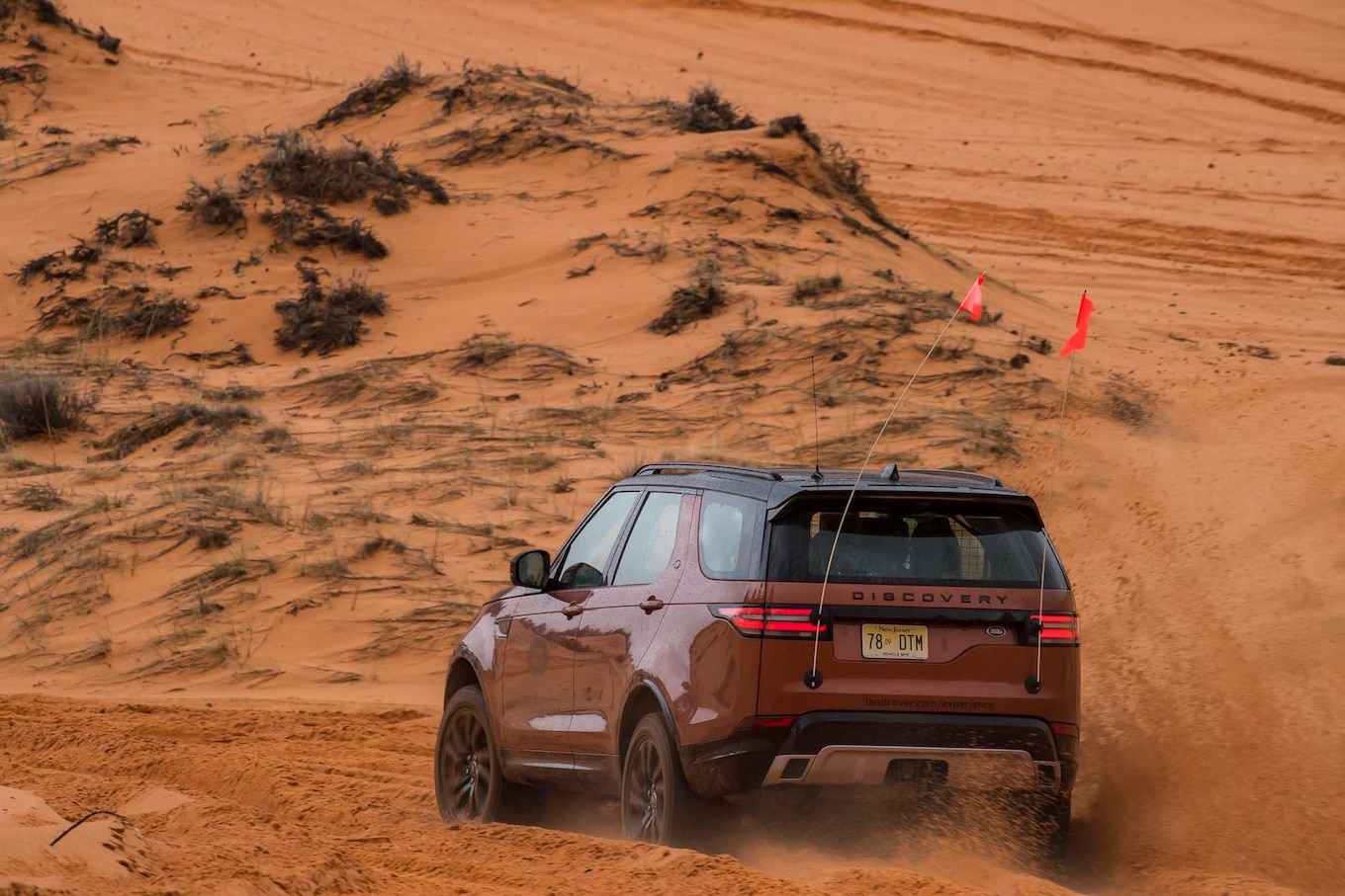 2017 Land Rover Discovery Off Road 08  Motor Trend