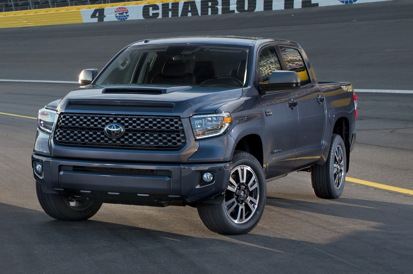 2018 Toyota Tundra, Sequoia Refreshed, Debut New Trd Sport
