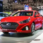 2018 Hyundai Sonata front three quarter 01 1