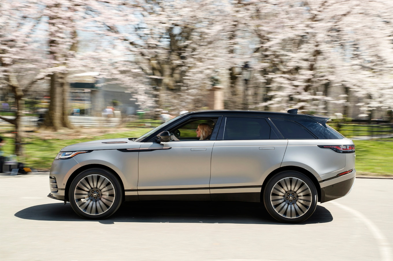 2018 Range Rover Velar Shines on Stage With Ellie Goulding Motor