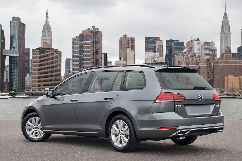 2018 Volkswagen Golf Sportwagen Rear Three Quarter  Motor