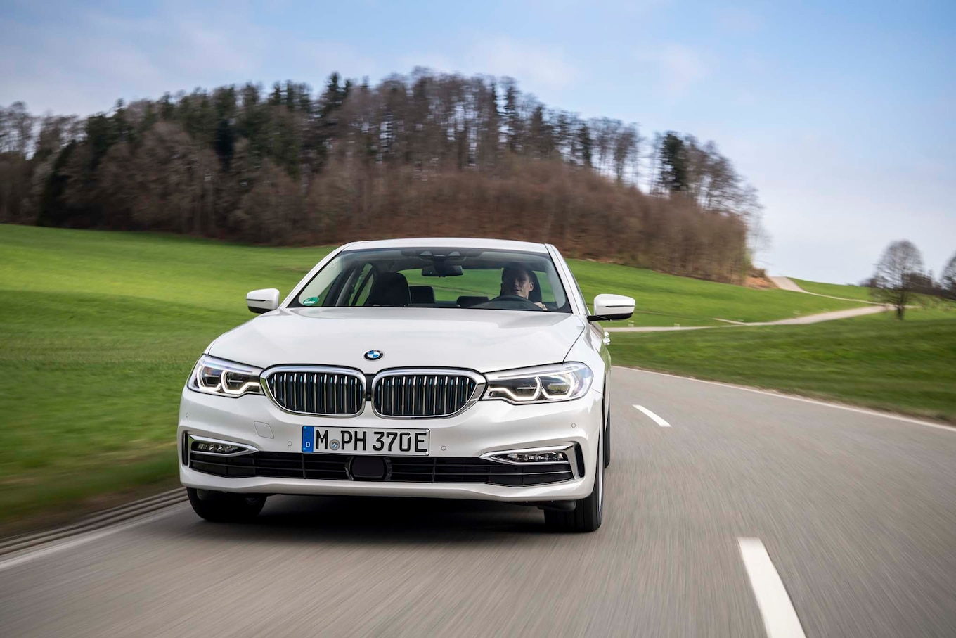 2018 BMW 530e eDrive Plug-In Hybrid First Drive Review: eDrive eNigma - Motor Trend