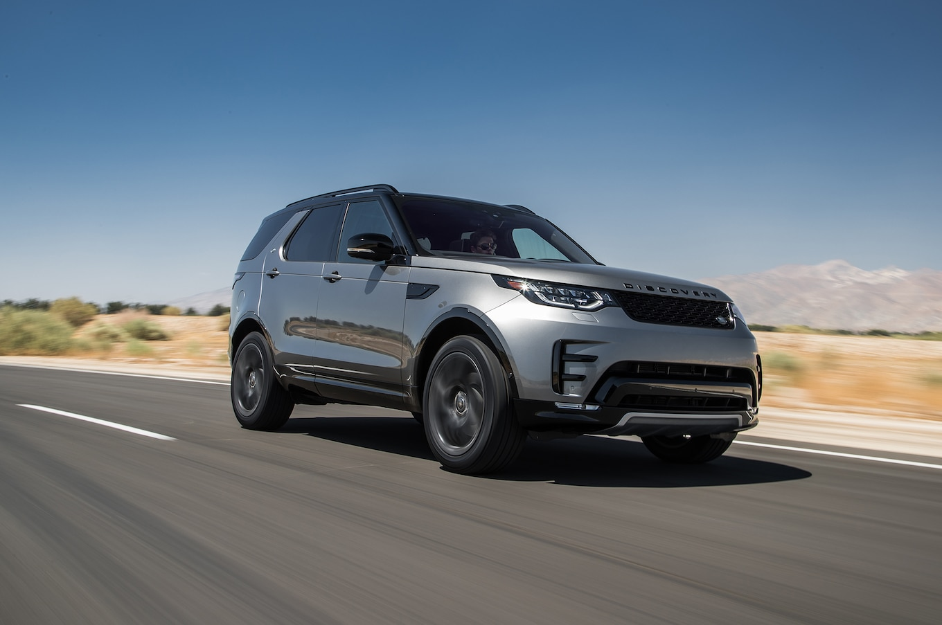 Land Rover Discovery 2018 Motor Trend SUV of the Year Finalist