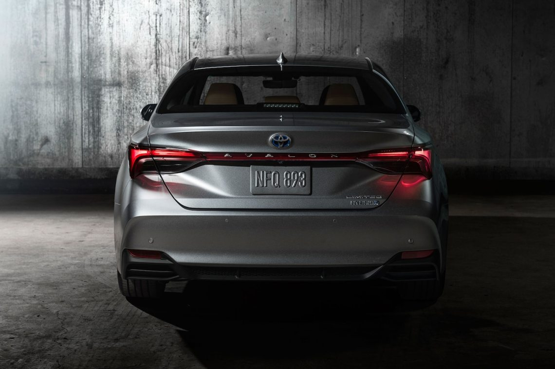 2019 toyota avalon first look: the next big toyota - motor trend
