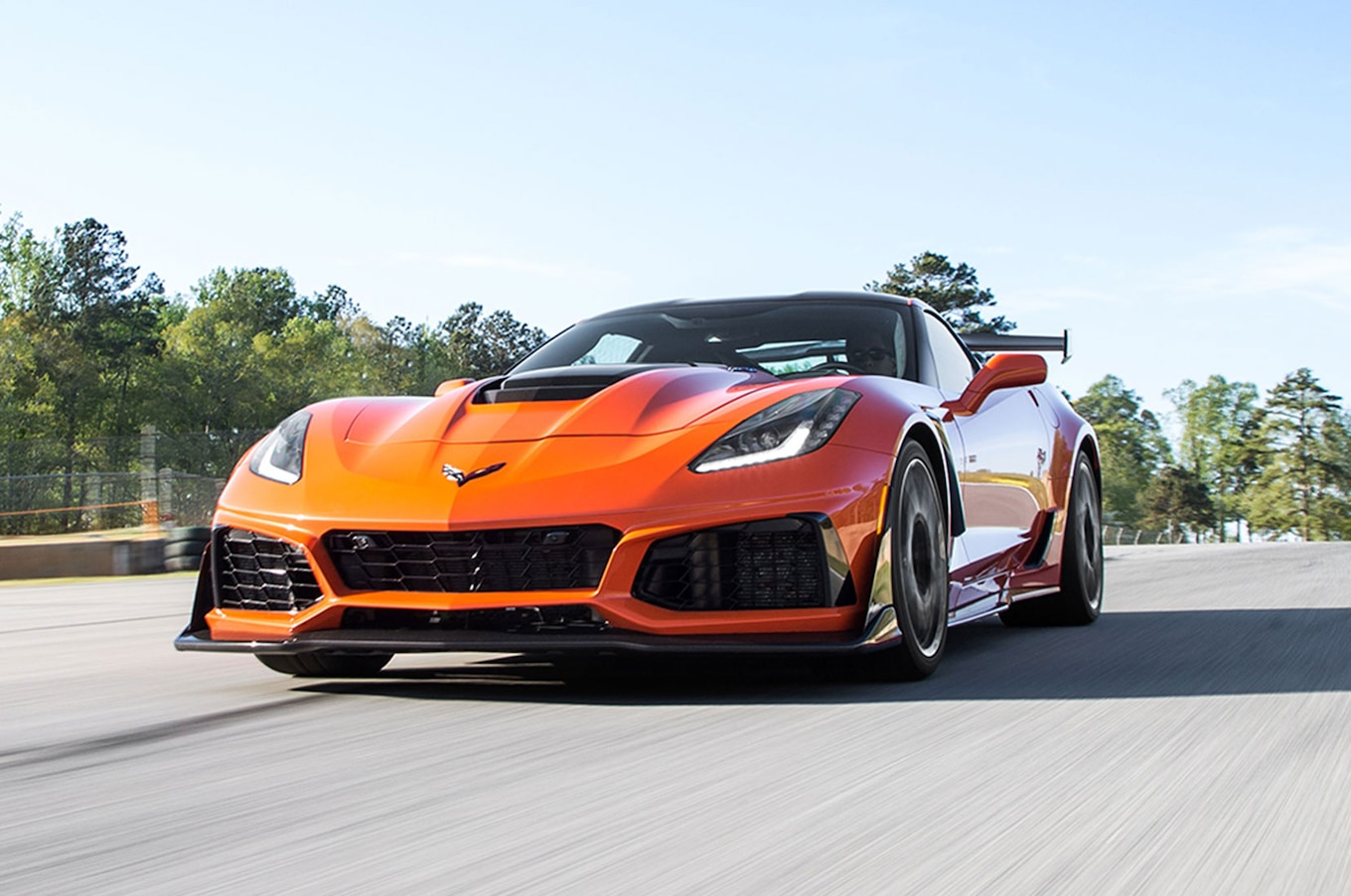 Cruze Car Hd Wallpaper 2019 Chevrolet Corvette Zr1 First Drive Keep Your Cool