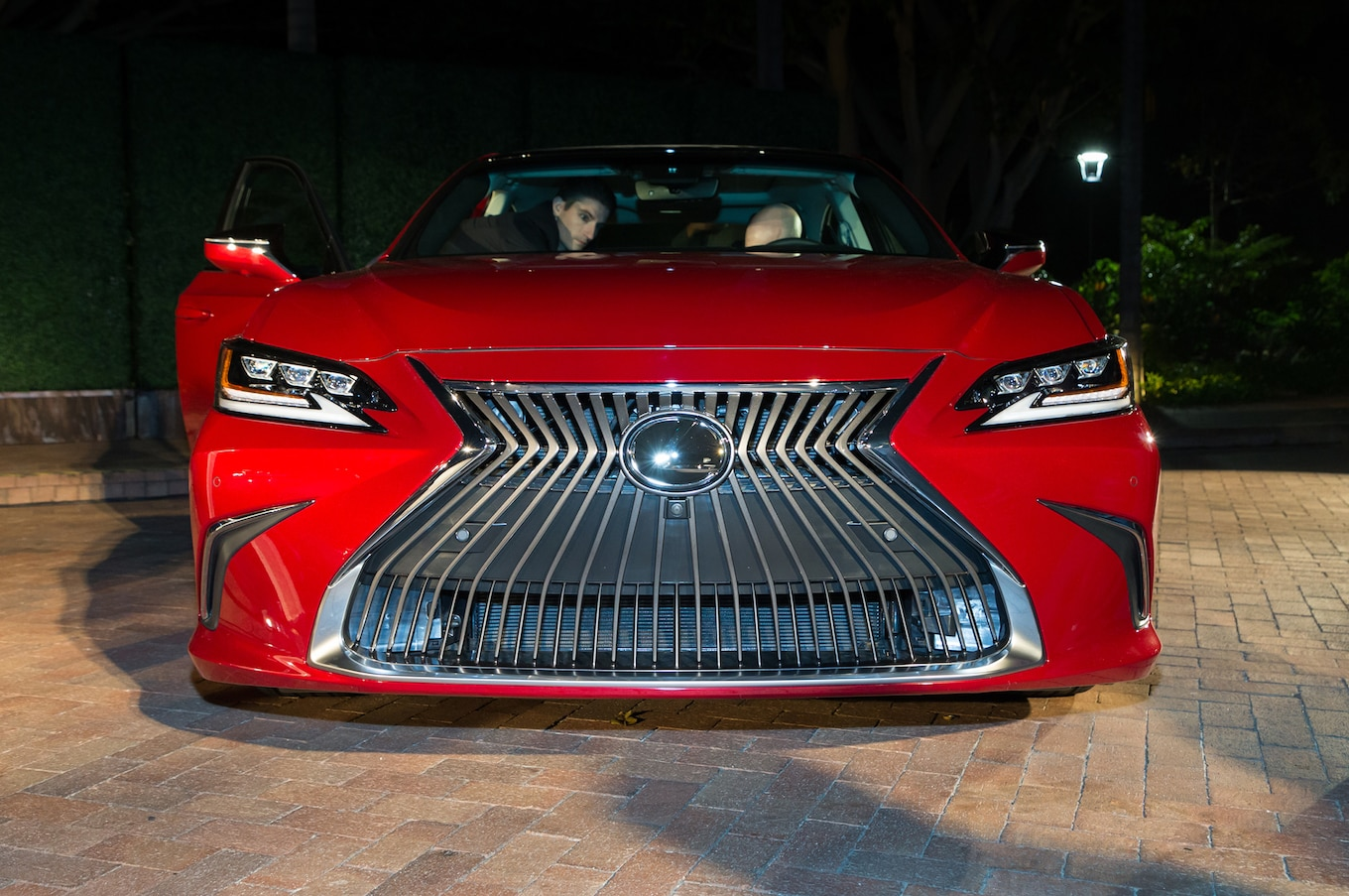 2019 Lexus Es Our First In Person Impressions And 2019 Es Photos