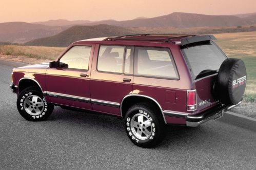 small resolution of chevrolet blazer photos and history from truck based suv to car based crossover motortrend