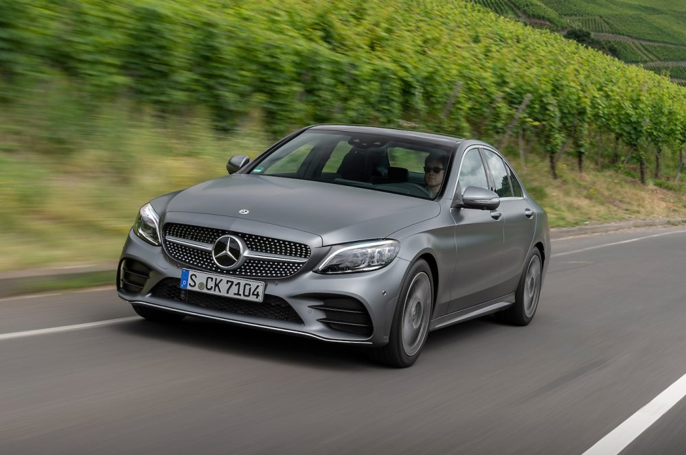 medium resolution of 2019 mercedes benz c300 first drive a car that talks to itself motortrend