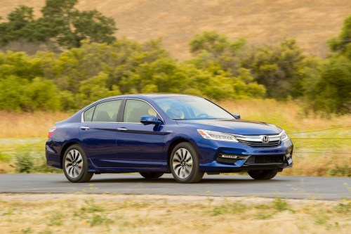 small resolution of 2017 honda accord hybrid front three quarter in motion 05