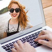 Cách ghép mặt người này vào thân người khác bằng GIMP