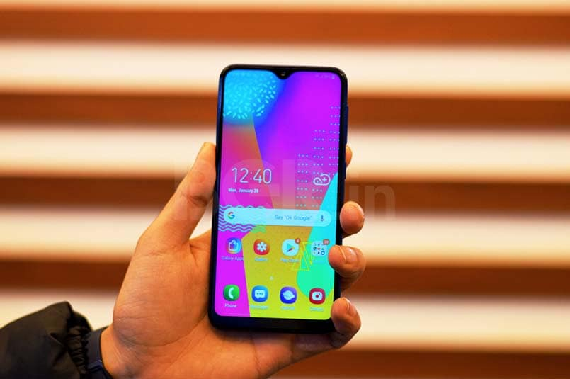 Samsung Galaxy M10 Review: The King Returns