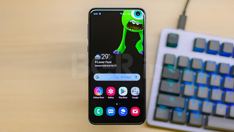 Samsung Galaxy S10e Review: The compact flagship to beat in 2019