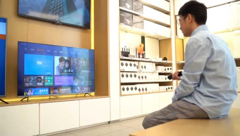 Xiaomi 8K Mi TV Pro's bezel-less design and metal frame revealed in official video