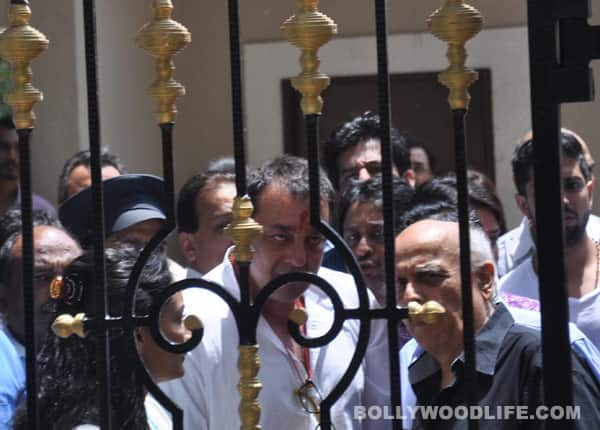 Sanjay Dutt finally surrenders before TADA court!