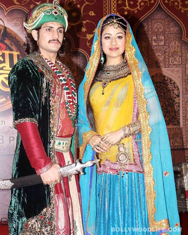 Why does Jodha Akbar continue to be surrounded by