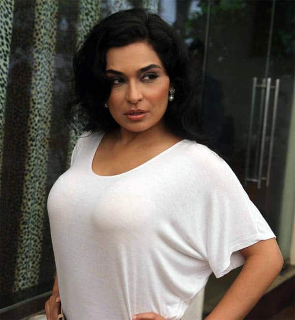 Pakistan Court Orders Case Against Actor Meera For Sex Tape