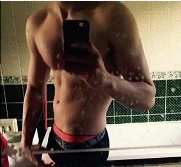 aryan khan body selfie