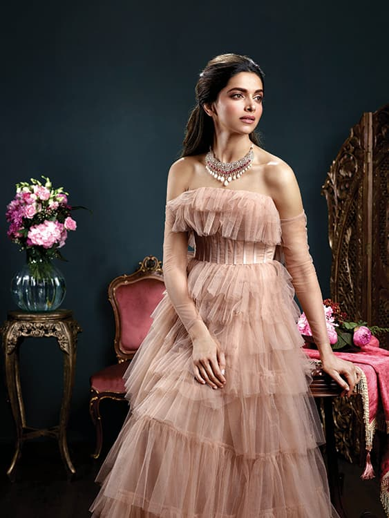 PHOTOS Deepika Padukone Looks Every Bit Royal And