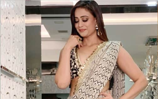 Shweta Tiwari's recent pics in a saree will make you scream HAWT!