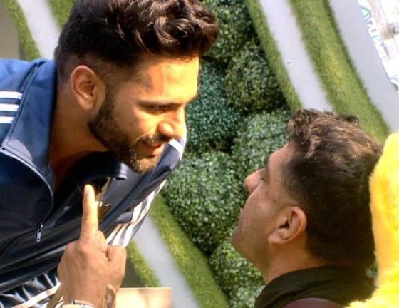 Bigg Boss 14, Day 75, Live Updates: Arshi Khan kisses Aly Goni