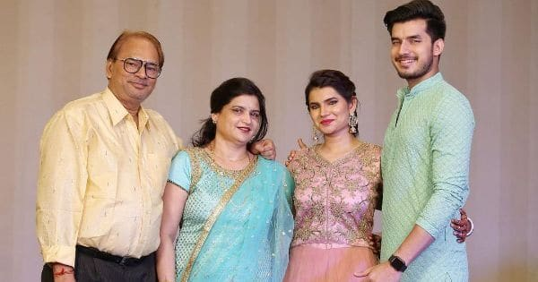 Paras Kalnawat's father passes away due to a heart attack; Anupamaa actors Rupali Ganguly-Sudhanshu Pandey rush to the hospital