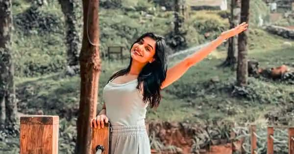 Trending Entertainment News Today — Divya Agarwal hits back at trolls who commented on her b**bs; Shravan Rathod of Nadeem-Shravan fame passes away due to COVID-19