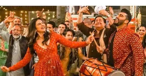 Arjun Kapoor and Rakul Preet Singh's chemistry and the peppy beats make the first track from Sardar Ka Grandson a vibrant winner