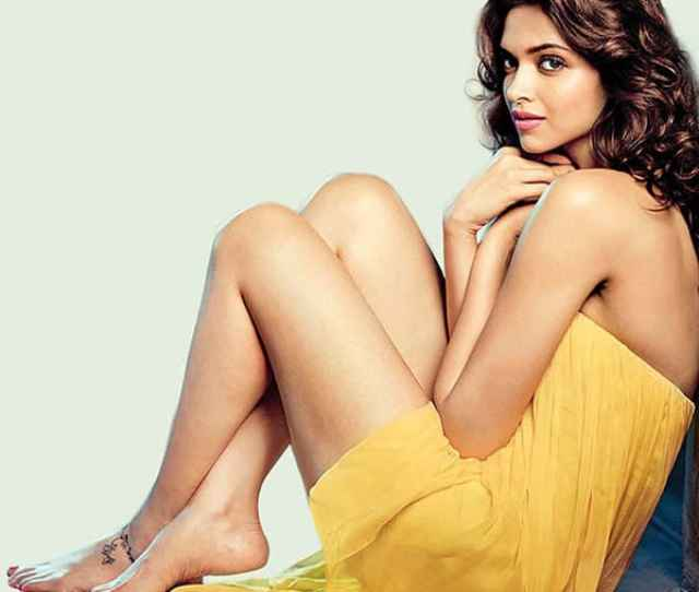 The Hot Deepika Padukone Shines Brighter Than The Sunshine In This Click