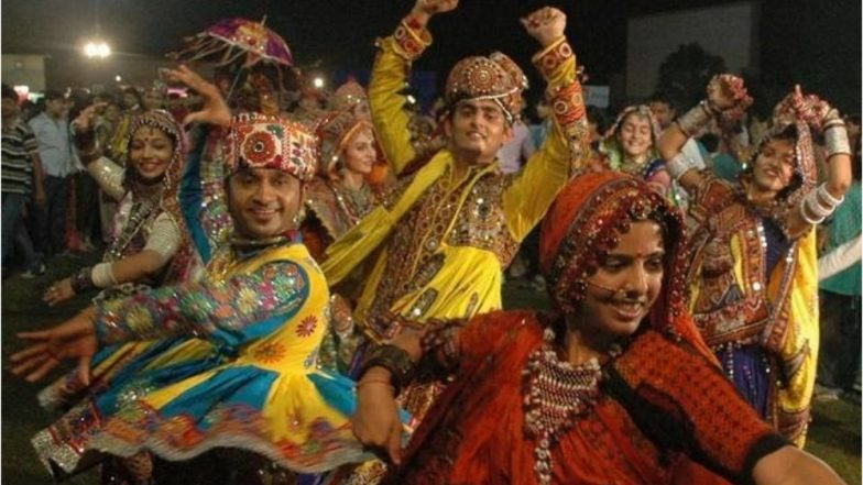 Navratri 2018: Different Types Of Garba, Dandiya & Step By
