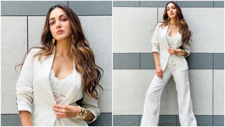 Yo or Hell No? Kiara Advani's White Pantsuit by Amit Aggarwal for Shershaah  Promotions   👗 LatestLY