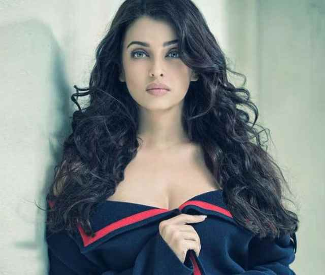 Aishwarya Rai Bachchan Hot And Sexy Pictures