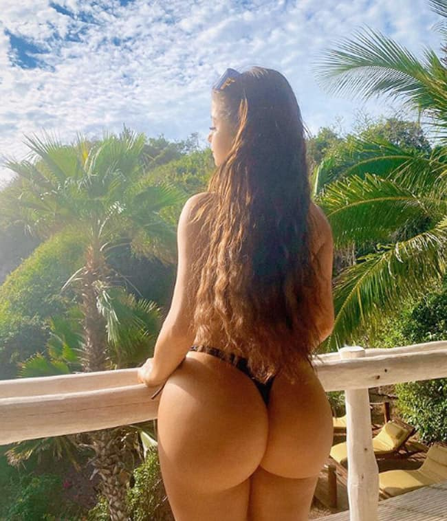 Demi Rose Showing Off Her Bigg Booty