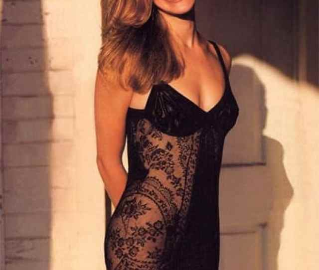 Julia Roberts Poses For A Smoking Hot Picture