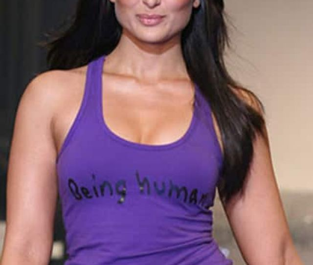 Kareena Kapoor Khan Oozing Her Sexy Avatar