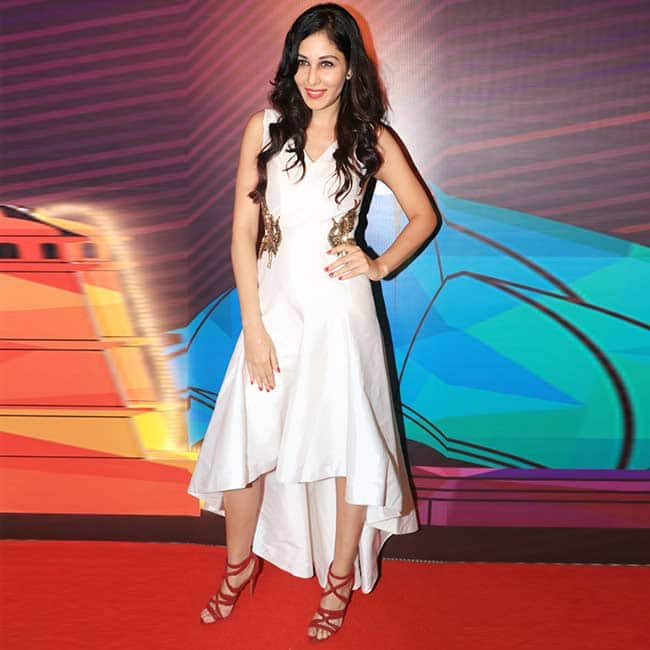 Pooja Chopra wear white to the unveiling of Miss India contestants
