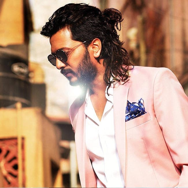 Riteish Deshmukh Looks Sexy In This Man Bun Check Out Bollywood
