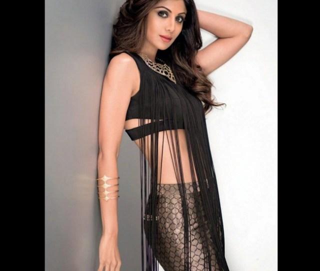 Shilpa Shetty Kundra Flaunting Sexy Midriff In Hot Photoshoot