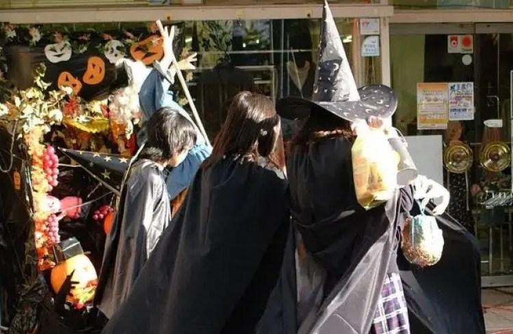 ハロウィン 日本 おかしい