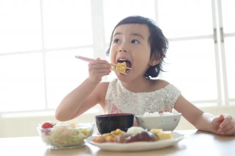 小学生 子供 朝ごはん 食べない