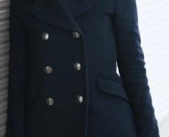 黒いコート ほこり 対策 予防 ごみ 糸くず 取り方
