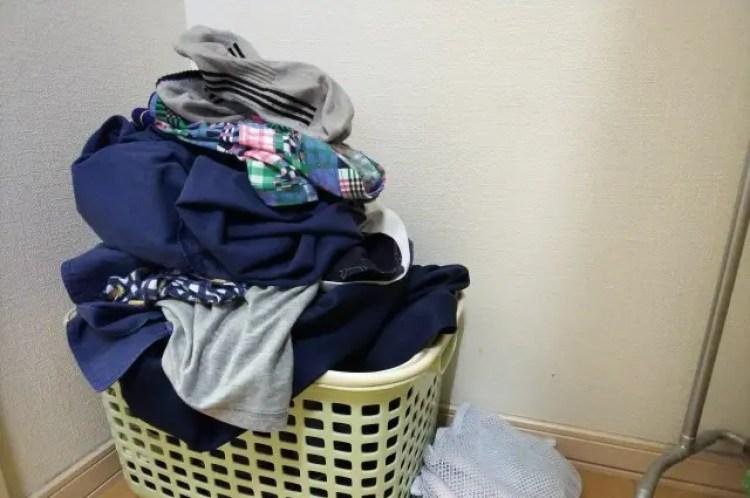 洗濯物 裏返し