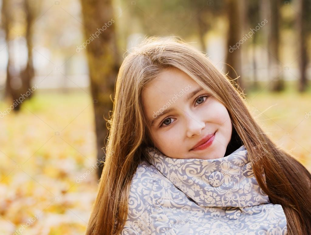 photos et images libres de droits pour pre ado fille a telecharger