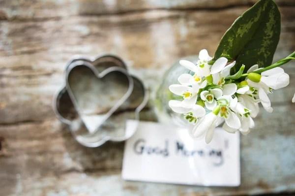 Buongiorno Con Bouquet Di Fiori Foto Stock Pimnana