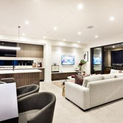Sofas Modernos Para Sala De Tv Small Sized Moderna Estar Com Televisao E Almofadas Uma Junto A Area Jantar Cozinha Ha Entrada Patio Exterior Fotografia Por