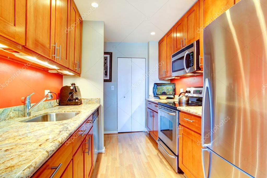 kitchen back splash redesign my 缩小与橙色背飞溅和花岗岩台面的厨房内饰 图库照片 c iriana88w 52222921