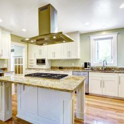 Kitchen Island Hood Sink Cabinet Size 与内置的热风炉 花岗岩的顶部和罩厨房岛 图库照片 C Iriana88w 52760049